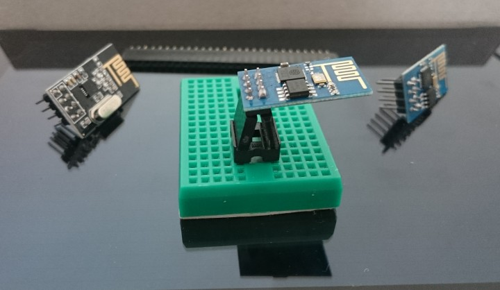 esp8266 & nrf24L01 on breadboard